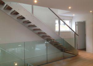 Holztreppe Escalier Treppe Treppenbau Modern von AVC Schweiz