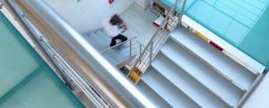Glastreppe Treppe Treppenbau Modern von AVC Schweiz