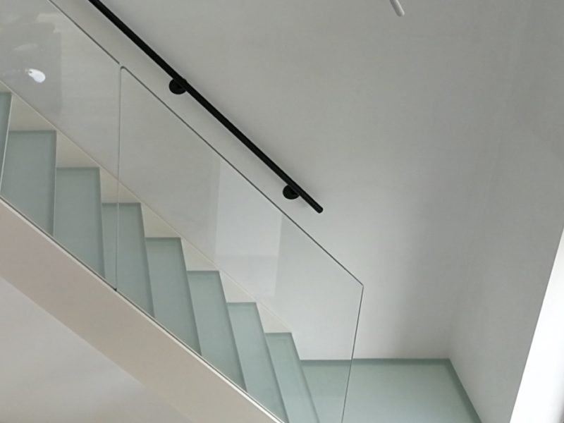 <strong>CLEAN</strong> DESIGN STAIRS